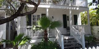 what is a courtyard albury court hotel stylish modern key west boutique hotel near duval