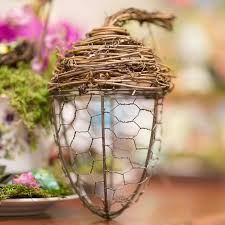 chicken wire and grapevine acorn chicken wire crafts