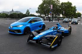 renault twizy blue video renault zoe e sport z e 16 race car in paris