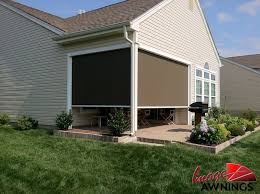 Retractable Awning With Screen Image Awnings Nh Custom Made Awnings Canopies New Hampshire