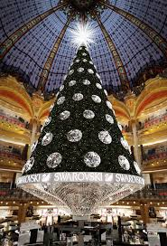 christmas tree at the galeries lafayette paris oh christmas