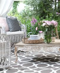 French Country Outdoor Furniture by Entertaining A Fresh Inviting Look On The Patio French Country