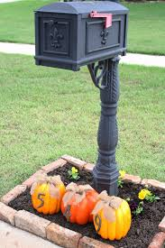 Fall Decorations For Outside The Home Best 20 Fall Mailbox Decor Ideas On Pinterest Fall Mailbox