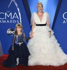 dierks bentley daughter cma awards 2017 what you didn u0027t see on tv people com