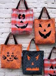 halloween trick or treat bag free sewing pattern by lindsay wilkes