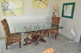driftwood dining table with tablecloth