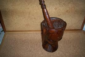 mortier cuisine bois mortier et pilon de cuisine en bois sculpte africain luckyfind