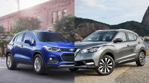 nissan kicks 2017 blue especialeficiencia chevrolet trax vs nissan kicks dos suvs