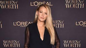 on trend the lob the blake lively gets on trend with the lob see her chic shorter