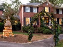 Old Fashioned Christmas Window Decorations by 19 Outdoor Christmas Decorating Ideas Hgtv