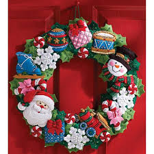 bucilla toys wreath felt applique kit 7235299 hsn