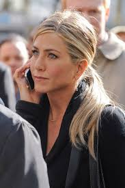 jennifer aniston hairstyle 2001 jennifer aniston s hairstylist shares his favourite style for the star