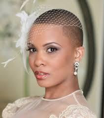 coiffeur mariage photo coiffure mariage des cheveux rasés avec un bibi