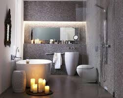mosaik im badezimmer badezimmer kleine räume in grau mosaik wandfliesen dekor