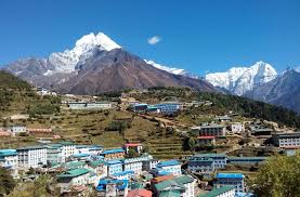 what is the mount everest base c trek best time of year
