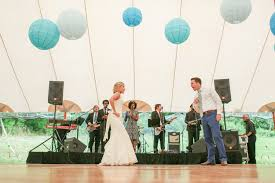 wedding band or dj how much does a wedding band dj cost murray hill talent weddings