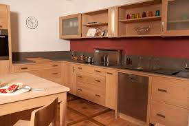 cuisine bois brut meuble cuisine en bois brut chataignier huile estives 3 lzzy co