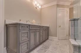 Bathroom Cabinets Jacksonville Fl by Traditional Master Bathroom With Crown Molding U0026 Master Bathroom