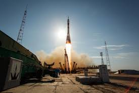 file expedition 31 soyuz launch jpg wikimedia commons