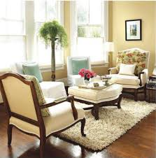 how to furnish a small living room with variant small accessories
