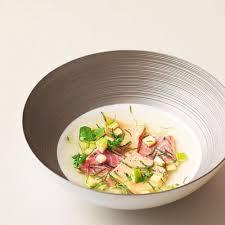 cuisiner des anguilles nage de foie gras et anguille fumée pomme verte et wasabi