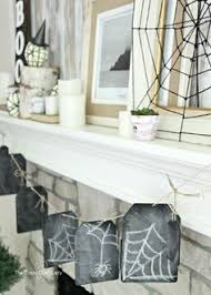 awesome tips and ideas for decorating a spooky halloween home for