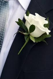 wedding flowers groom ivory boutonniere flower groom