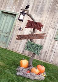 funny outdoor halloween decorations 125 cool outdoor halloween decorating ideas digsdigs