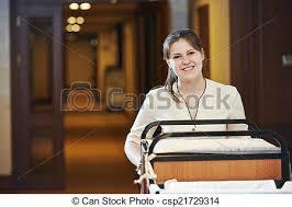 femme de chambre hotel femme chambre hôtel ménage salle hôtel ouvrier
