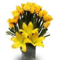 Nice Flower Vases Beautiful Flower Vase Arrangement Online To India U2013 Buy Order