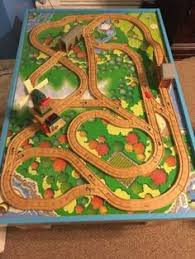 thomas the tank roundhouse 99544 layout playroom pinterest