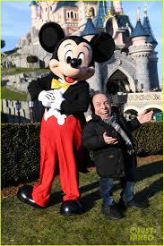 tom hardy buddys mickey mouse disneyland paris u0027season