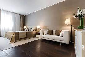 parquet flottant pour chambre chambre coucher beige blanc parquet flottant bois foncé jpg 640