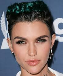 how to get ruby rose haircut ruby rose s blue green hair in 2016 you ll barely recognize ruby