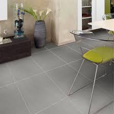 graue wohnzimmer fliesen wohndesign moderne dekoration graue fliesen wohndesigns