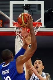 Dominicanos venceram por 95 a 85 e passaram para a próxima fase do Pré-olímpico mundial de basquete Carlos Garcia Rawlins/Reuters Mais - al-horford-da-republica-dominicana-tenta-a-cesta-contra-a-coreia-do-sul-1341358830487_600x900