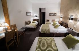 image chambre hotel chambre familiale chambéry hôtel familial chambéry hôtel des