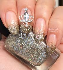 queen nails beautify themselves with sweet nails