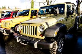 jeep rubicon yellow 5 reasons why you gotta love the 2013 jeep wrangler