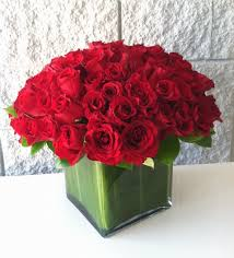 Square Glass Vase 100 Roses In A Square Glass Vase My Beverly Hills Florist In