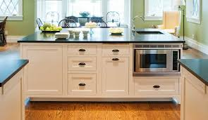 designing a comfortable kitchen island for easy entertaining