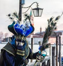 venetian carnival mask in pictures 13 striking images of venice carnival guides