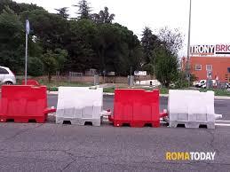 si e auto carrefour via della bufalotta spartitraffico davanti al carrefour provvisori