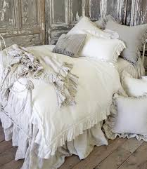 Duvet Vs Coverlet Best 25 Ruffle Duvet Ideas On Pinterest Cheap Duvet Covers