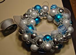 christmas ball wreath u2026tutorial cyndicated