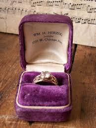Purple Wedding Rings by Best 25 Velvet Ring Box Ideas On Pinterest Mrs Ring Delicate