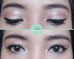 Aplikasi Eyeshadow Sariayu silver treasure on a budget fotd