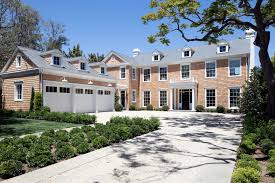 Colonial Homes For Sale by Lindsey Buckingham Selling A Brentwood Spec House For 22 5m