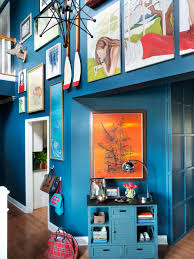 How To Design A Gallery Wall by How To Create A Family Friendly Entryway Gallery Wall Hgtv