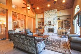 luxury home and stables minutes from college station tx